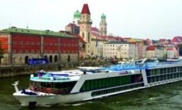 The economic impact of river tourism on ports