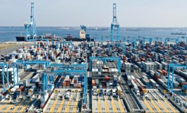 Driving the shipping business: containerization growth factors
