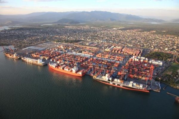 Growing up fast: brazilian ports