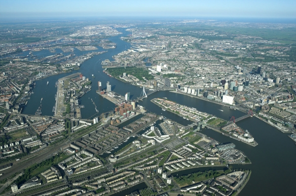 Disclosure as a tool in stakeholder relations management by port authorities: port of Rotterdam