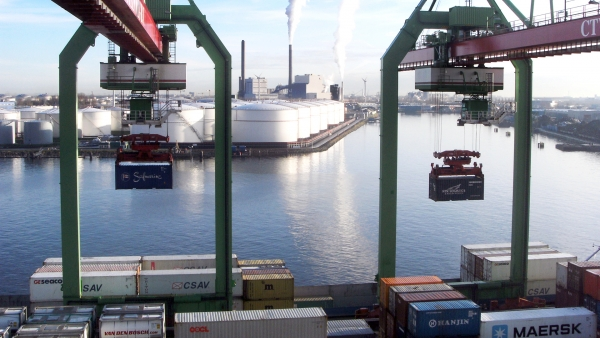 Beyond productivity: understanding container port performance