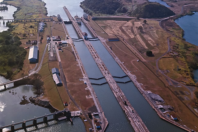The competitive position of the upgraded Panama canal