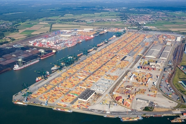 European container port system