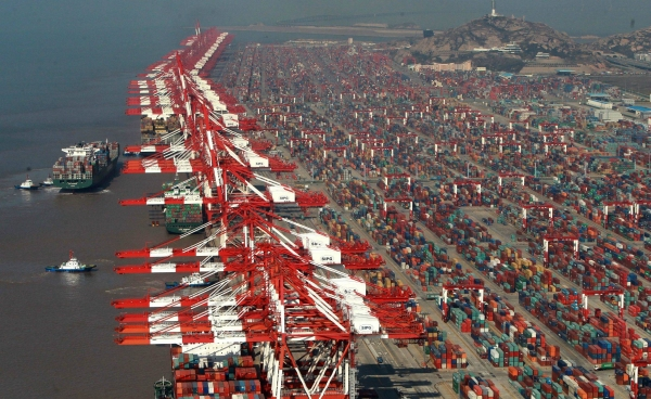 Container port competition and competitiveness analysis: asian major ports