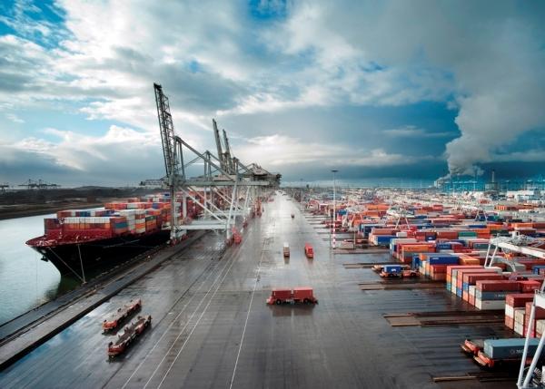 Strategic reorientation of port actors: insights from port of Rotterdam & port of Barcelona