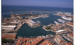 Port conflicts & governance settings: evidence from France & Italy
