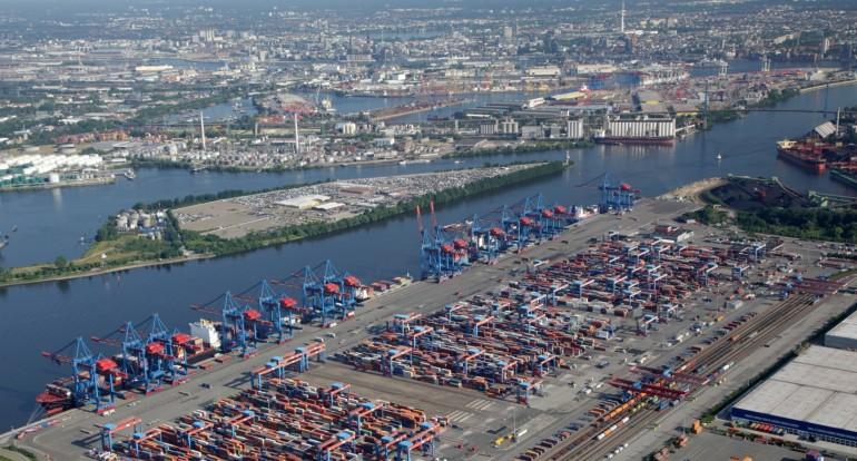 Mega vessels: the adaptive capacity of upstream ports Antwerp and Hamburg