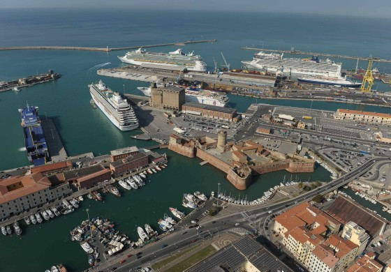 Cruise ports expand activities caring about performance, economic impact and users satisfaction