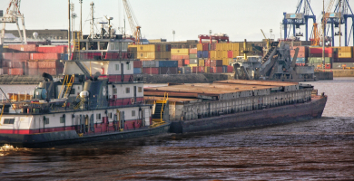 "The case of the ""old-fashioned"" Latinamerican ports"