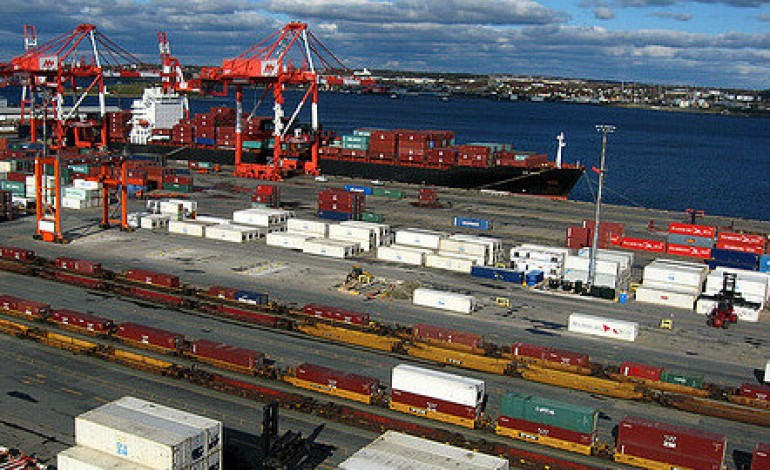 The social and economic value of commercial marine shipping to Canada