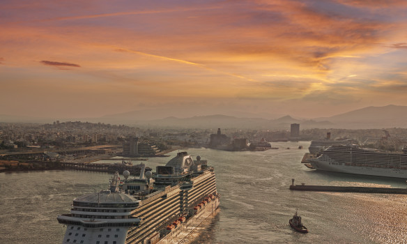 Environmental policies and practices in cruise ports