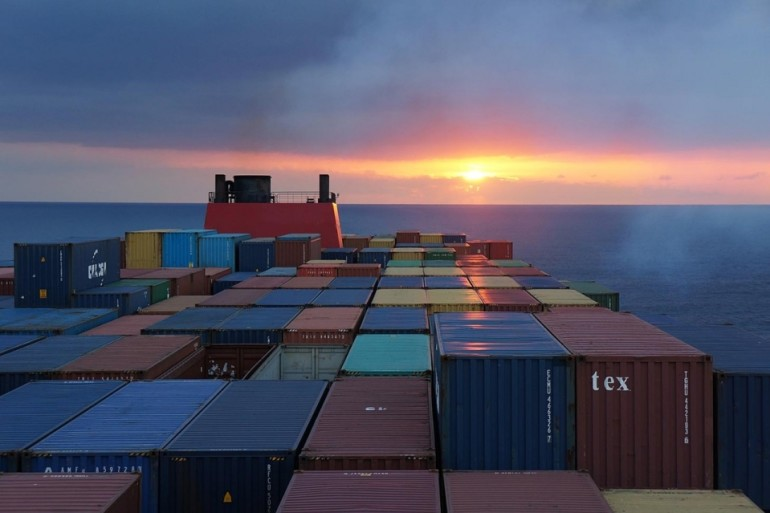 PortGraphic | Upscale or die: from 20 to a handful of global container carriers
