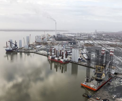 What drives ports around the world to adopt air emissions abatement measures?