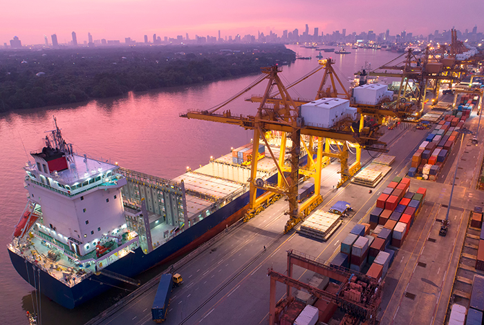 China΄s investment in African ports: spatial distribution, entry modes and investor profile