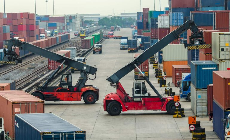 Comparing onsite and offsite rail access for dry port developments: a benchmark study in China